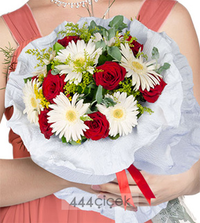 çiçek Buketleri Sevgiliye Hangi çiçek Alınır